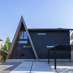 三角の家 / 2020.09